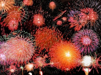 new-year-fireworks-bright-600x450